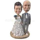Sweet couple wedding bobbleheads